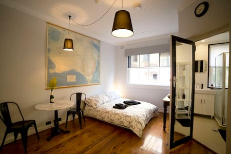 """Le Studio"" at Potts Point - Potts Point - Apartment"
