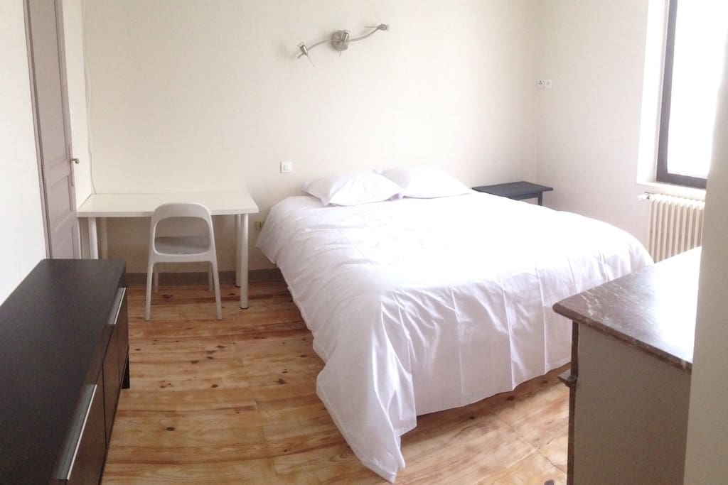 chambre à part avec lit 2 places de grande qualité