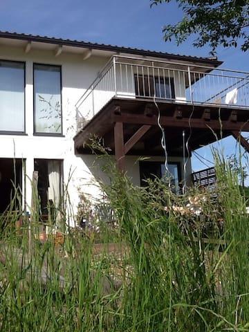 Künstlerwohnung - ruhige Traumlage - Sankt Pantaleon - Apartment