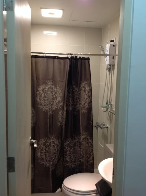 Comfortable Toilet and bath with water heater