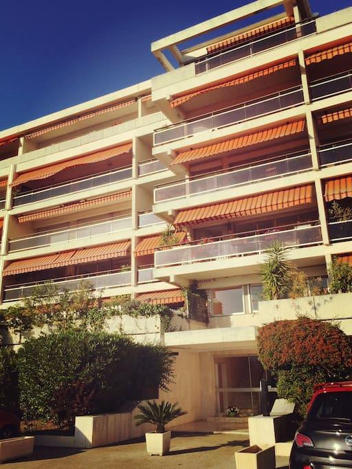 Immeuble dans lequel se trouve l'appartement