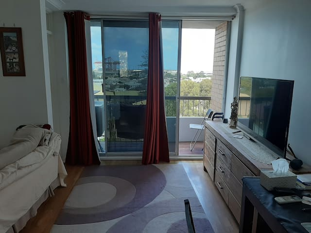 Studio apartment in trendy north fremantle