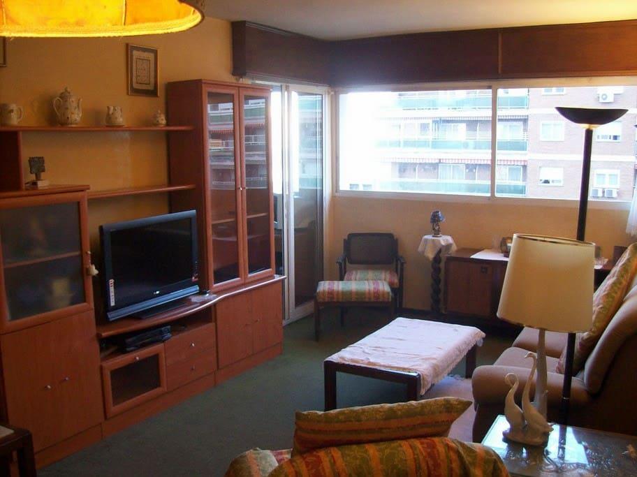 Apartamento acogedor y completamente equipado.