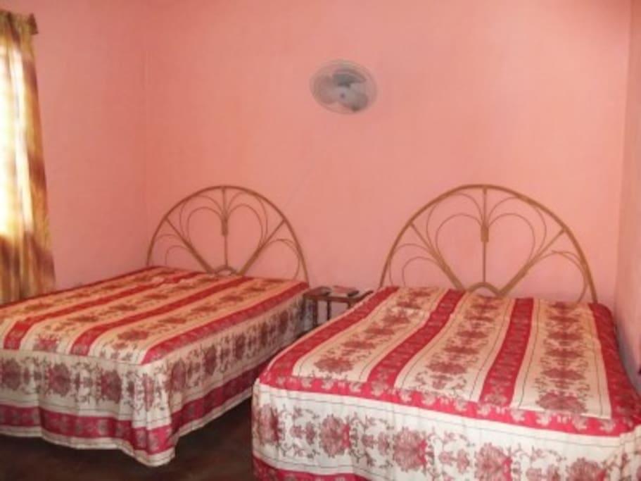 Cuarto independiente en vi ales houses for rent in for Cuarto independiente