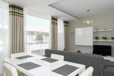 Modern Luxury Penthouse in Perfect Sliema Location - 斯利马(Sliema) - 公寓