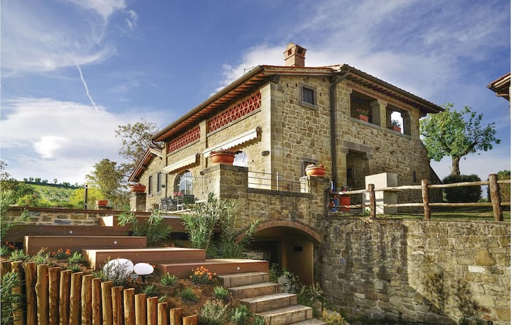 Holiday cottage with 3 bedrooms on 155m² in Poppi