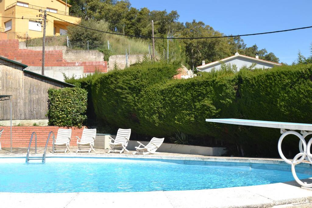 Villa amidst natural beauty by sea chalets louer for Piscines naturals catalunya