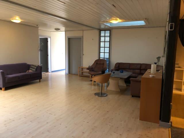 Lejlighed med 2 værelser. Central i Sønderjylland