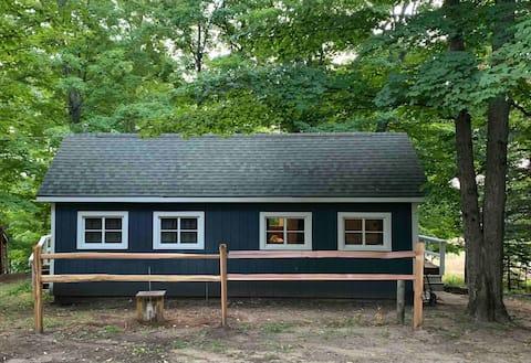 Mesick Maple Tree Cabin
