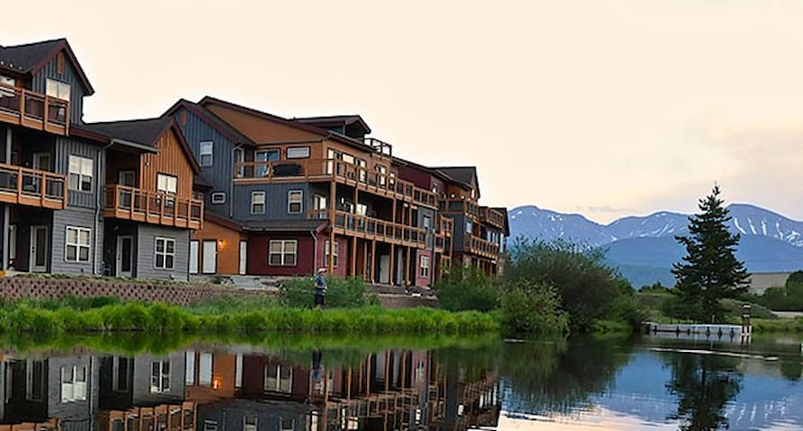 Waterside West Community with private fishing pond