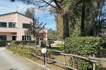 Pink Country House, Baratti-Sterpaia-Riotorto-Elba - Piombino - Huoneisto