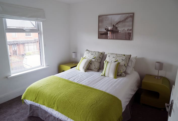 Tourist Board Approved Stylish home in Belfast