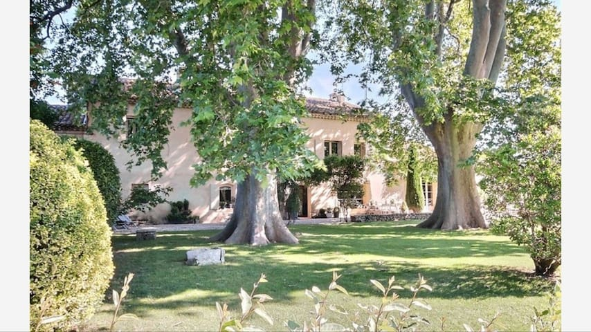 Mas pleine campagne piscine ROBION - Cavaillon - Ev