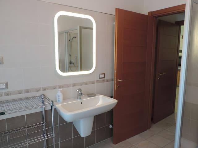 bilocale - Cuneo - Lägenhet