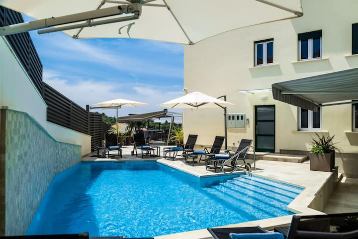 A2 · A2 · NEW- Deluxe apart./large terrace