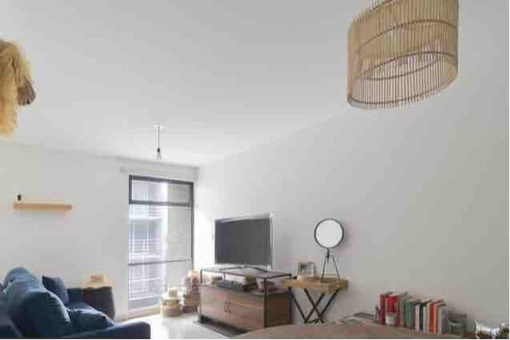 Gorgeous New Apartment 5 min away from the Airport