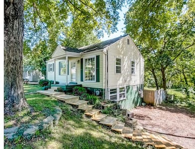 Private & Cozy Mother in Law Suite - Nashville