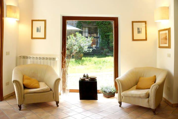 Espectacular apt con jardín & Wifi
