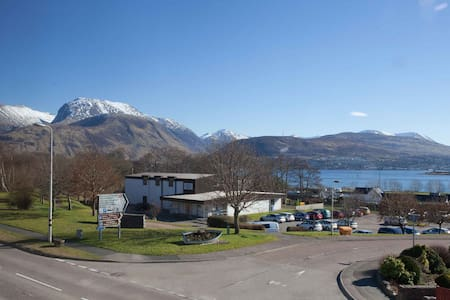 Modern apartment, great views with transport links - Corpach