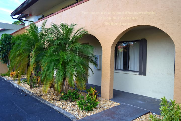 Cozy Apartment 2BD 2BR Pool, 6min to the beach!