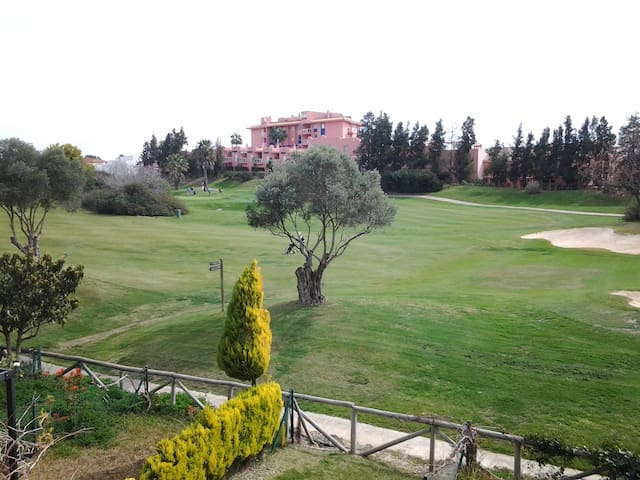 House Looking at a Golf Course - Islantilla - Huis