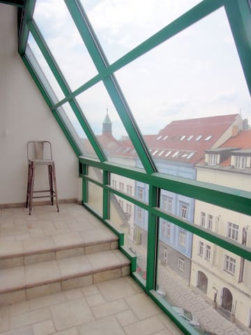 Private access staircase