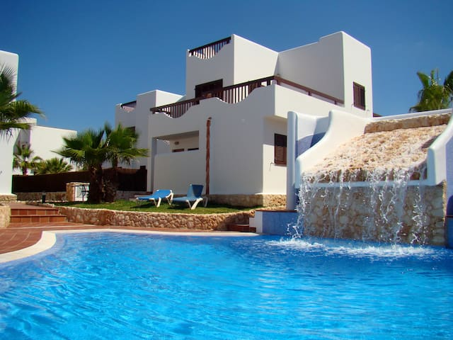Five bedroom house in Cala d'or
