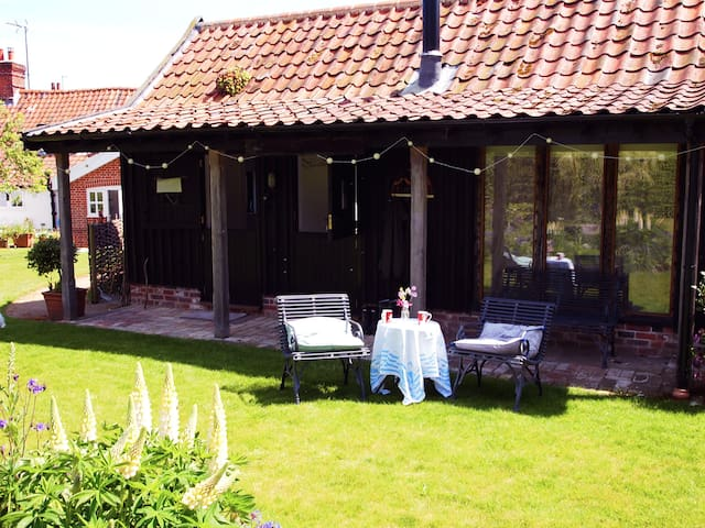 Private studio in a quiet garden - Great Glemham - Inny