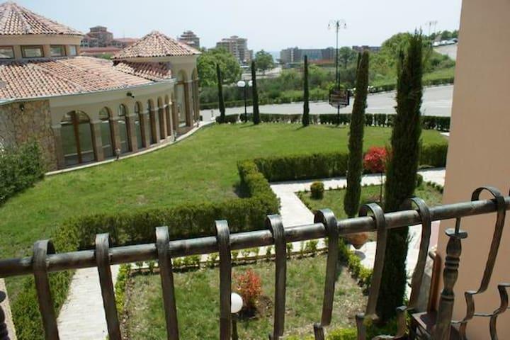 Villa Romana 30-С (1 bed) - Елените - Villa