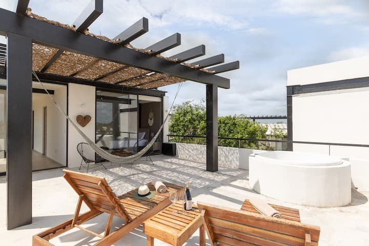 ❤LUXURY PENTHOUSE❤ PRIVATE PLUNGE POOL/ 5PPL❤