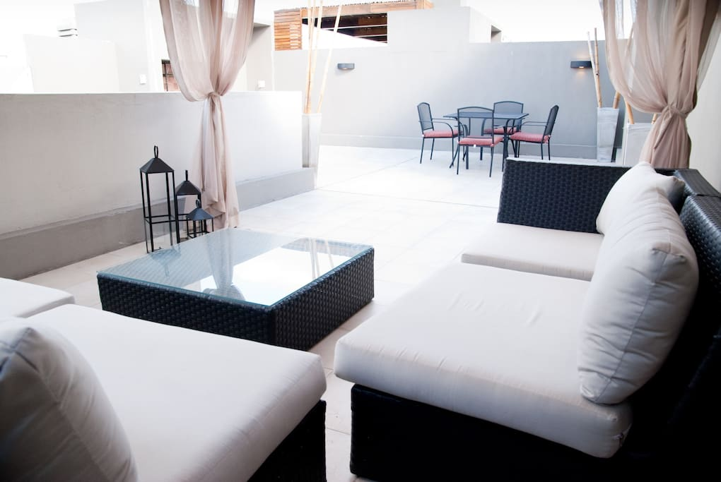 Private, beatifull and nice terrace, excellent to have a breakfast, enjoy the sun or have a dinner at night.Comfortable seats to enjoy the sunset.
