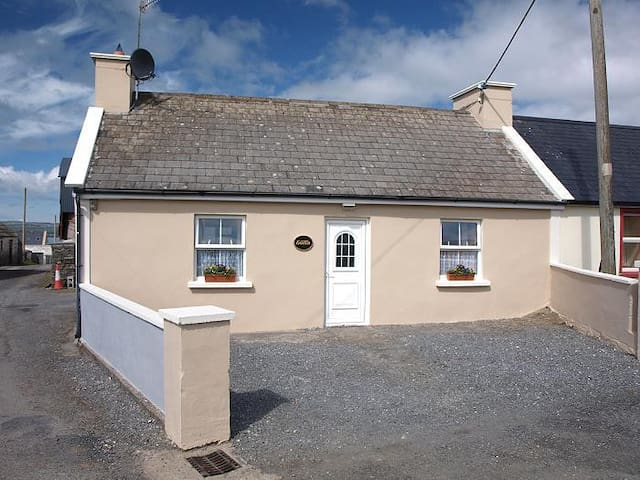 Goilin Cottage Self Catering Cottage Lahinch
