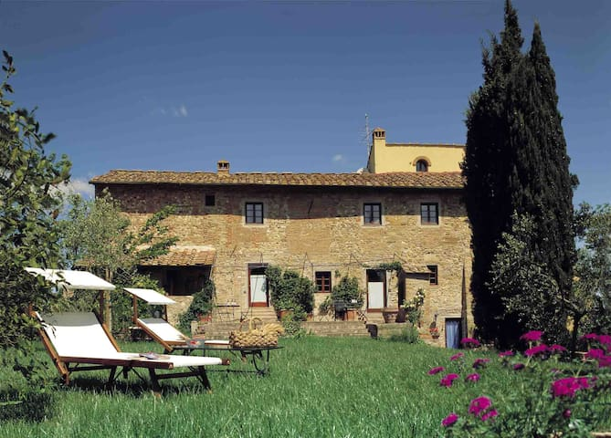 Ancient watch tower with pool and large garden - Tignano - House