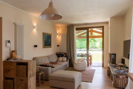 Lake Como villa - private swimming pool - Colico Piano - House