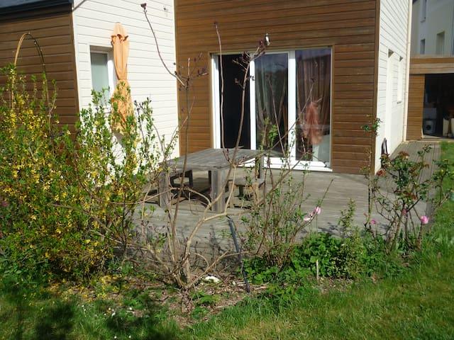 Maison bois à 10 min de nantes - Grandchamps-des-Fontaines - House