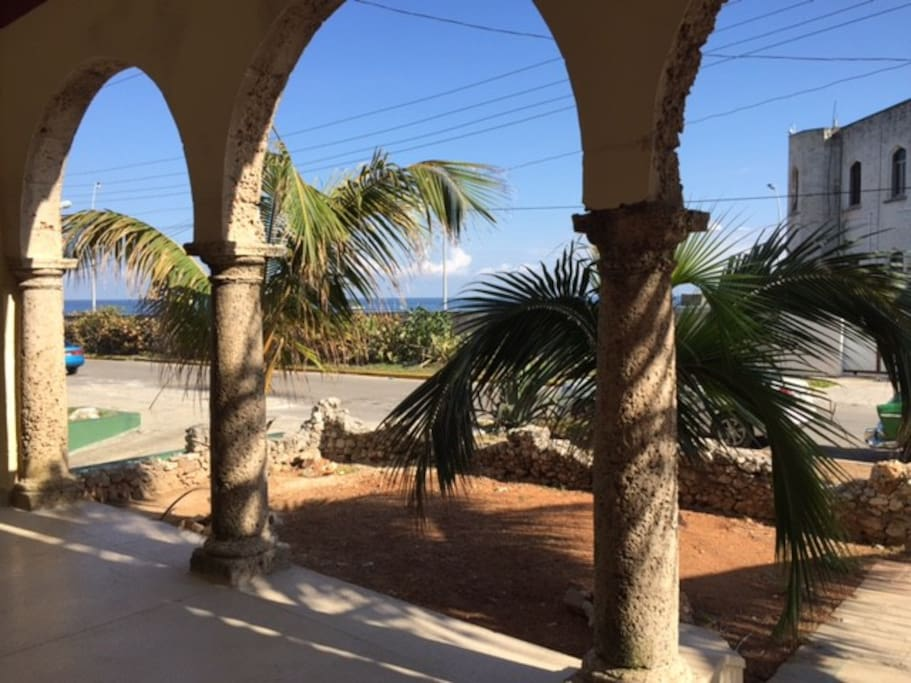 A beautiful veranda overlooking the Malecon