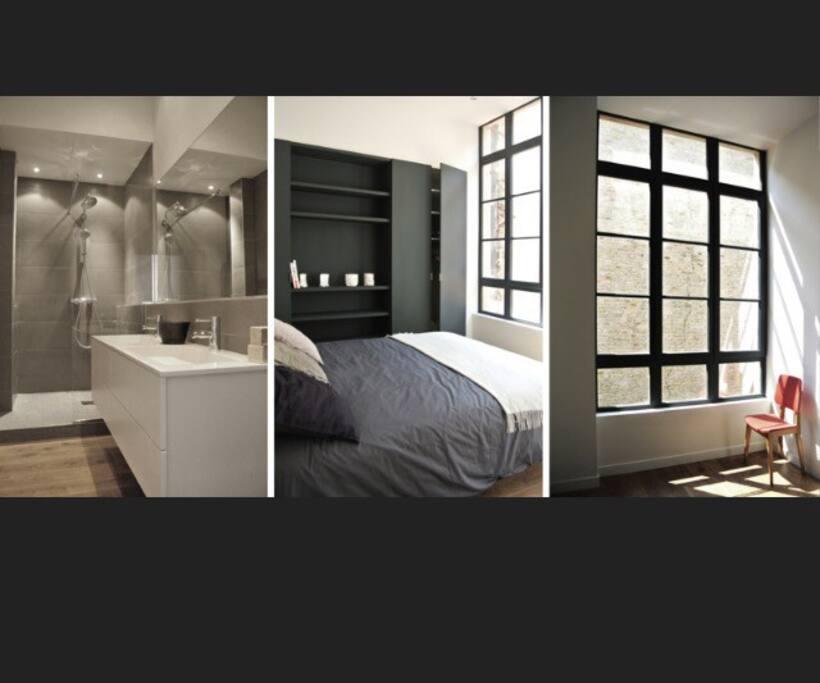 Salle de bain avec douche à l'italienne et double vasque. Grande chambre parentale avec lit double de 160. Seconde petit chambre avec lit d'appoint deux places.