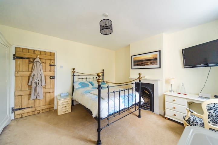 Grade II Listed - Double En-Suite - Grantham - Casa