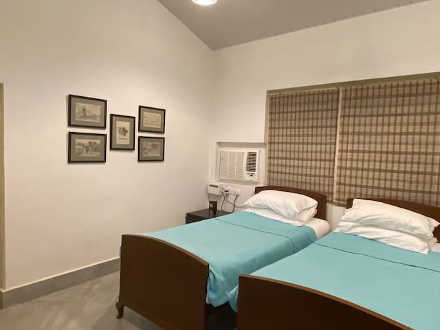 Option of 2 single beds or 1 double bed in bedroom 2.