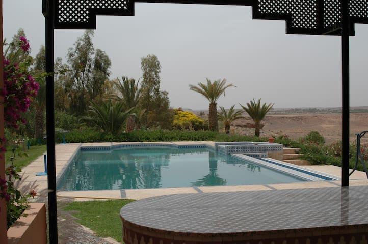 une maison + 1 logement indépendant - Ouarzazate - Otros