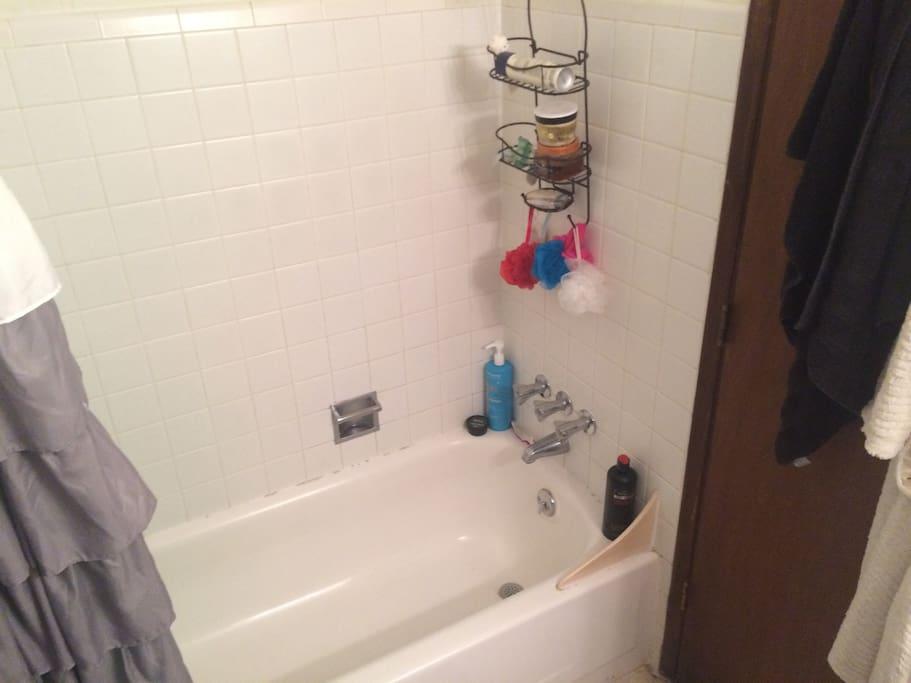 Bathtub, I like to keep it clean!