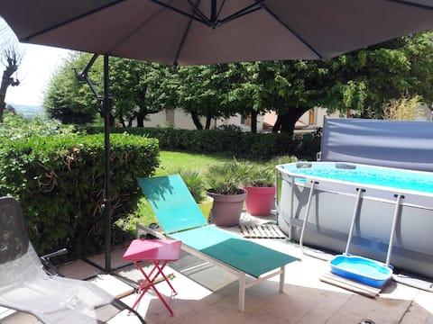 Maisonnette au calme, piscine hors sol, Plancha
