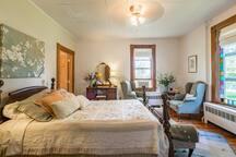 Monarch Room - The Cottonwood Inn Bed & Breakfast