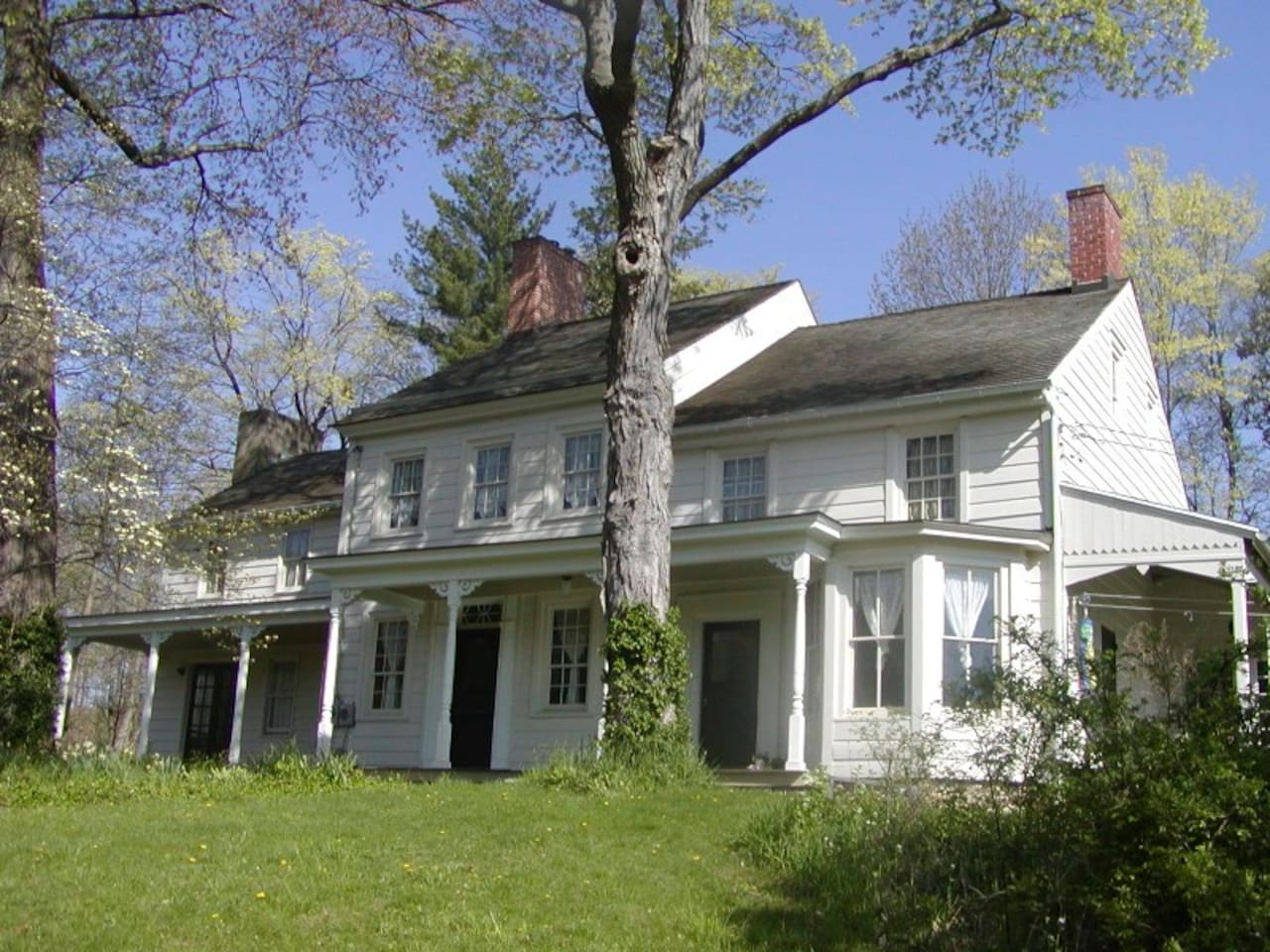 1780s farmhouse in spring time