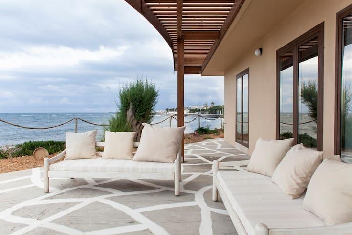 Villa Kouvohori  Seafront 5 Bedrooms - Βαθειανος Κάμπος - House