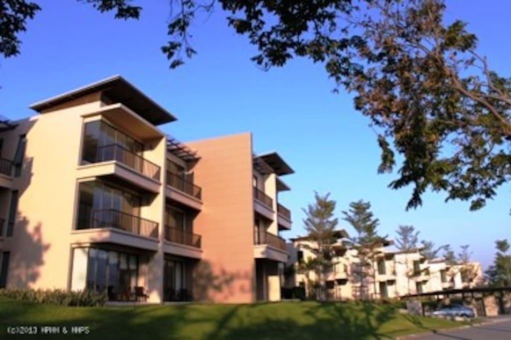 Palm Crescent Condominium