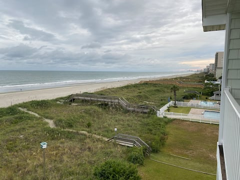 Ocean front stay at the CHATEAU in NMB!