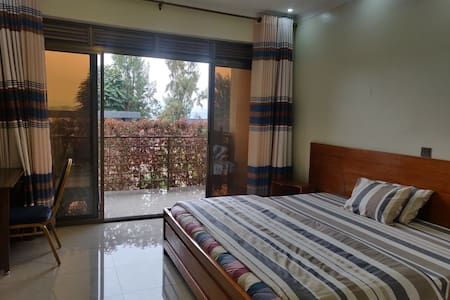Kigali Lifestyle Suites+Free Airport Pickup+WiFi