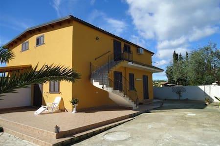 Villa Nella ON the sea - Noto