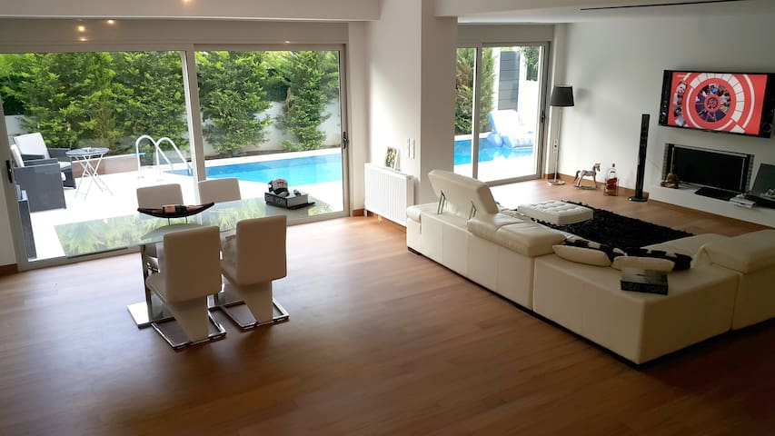 Luxury Maisonette with Private Pool.Voula-Glyfada - Athens, VOULA  - Haus